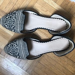 Restricted Woven Print Flats